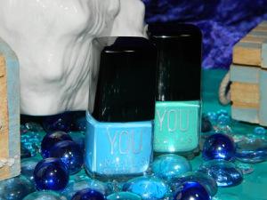 Pastell Blau nr. 126 (links im Bild) Türkis nr. 137 (rechts im Bild)