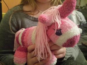 Das ist Rosalie unser Socken-Einhorn