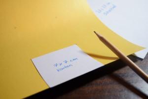 Die 7 cm großen Quadrate mit Hilfe eines Bleistiftes einzeichenen