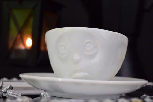 Möchte jemand einen Tee?